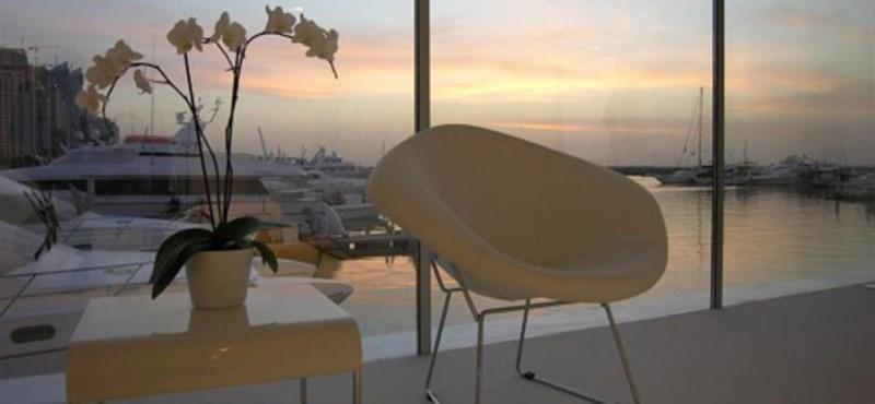 Kormányozható hajóház! Pazar mobil lakás Dubaiban (fotókkal)