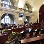 Az olimpiai pofon után repedések látszanak a kormány és a városháza közt