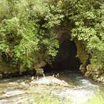 Feltárták az ország első átmenőbarlangját a Bükkben
