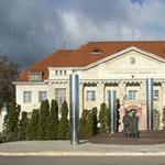 24.hu: Zaklatási ügye miatt távozhatott a Debreceni Egyetem dékánja
