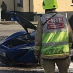 A jelentős anyagi kár tipikus este: az utcán lángoló McLaren P1