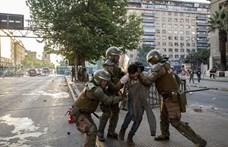 Hárman meghaltak a tűzben, miután tüntetők kifosztottak egy bevásárlóközpontot Chilében