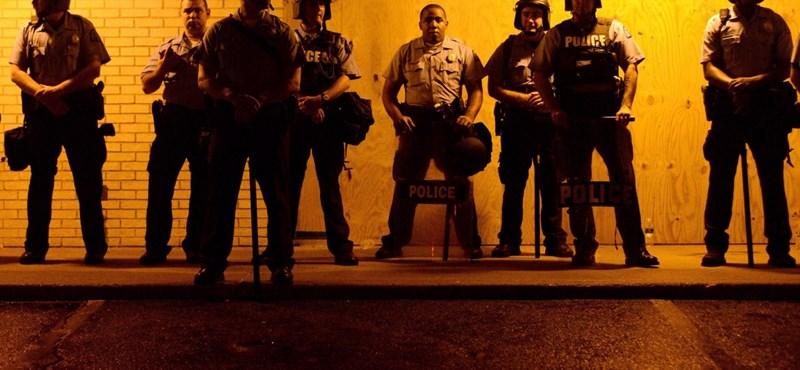 A Fox szerint a fiú támadt a rendőrre Fergusonban