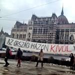 Molinós flashmob lesz a Parlament előtt hétfőn