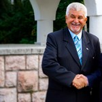 ATV: Fideszes képviselőtársa férjének adott vezetői állást Komló polgármestere
