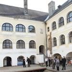Botrányos félmilliárdos házfelújítás Egerben