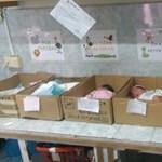 Demagógiaháború zajlik Venezuelában: már a  papírdobozban tárolt újszülötteknél tartanak