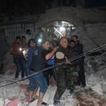 Videó: A szíria kormányerők lebombáztak egy kórházat