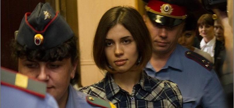 KGB-tiszt a szentek közt, anyák a munkatáborban