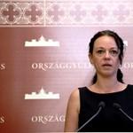 Szabó Tímea: autócsere és újabb forgószékek karfával