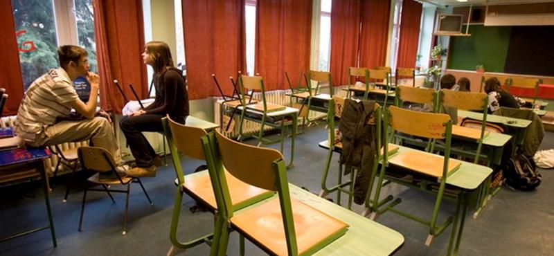 Az alpolgármester lánya miatt függesztettek fel egy győri tanítónőt?