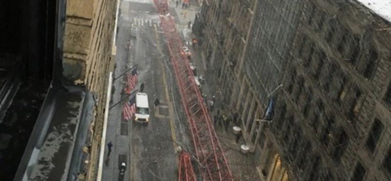 Videó: Összeomlott egy óriásdaru Manhattanben, megölt egy embert