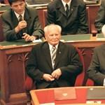 Legyen Mádl Ferenc út és Antall József tér!