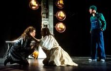 Adományokkal és jegyáremeléssel próbál túlélni sok színház a kultúr-tao eltörlése után