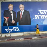 A vád alatt álló Netanjahu kapaszkodik a hatalomba