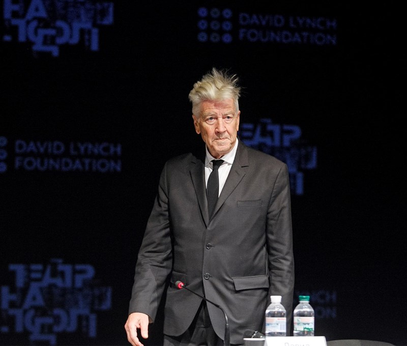 Budapestre jöttek David Lynch izzó, sötét rémálmai