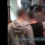 Kamasz fiúk molesztálták csoportosan a nőket a Parlamentnél (videó)