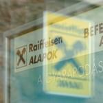 Raiffeisen: tartsd magad távol a magyar piactól