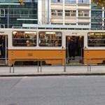 Nincs elég vezető, ezért tömöttek a 3-as metrót pótló villamosok
