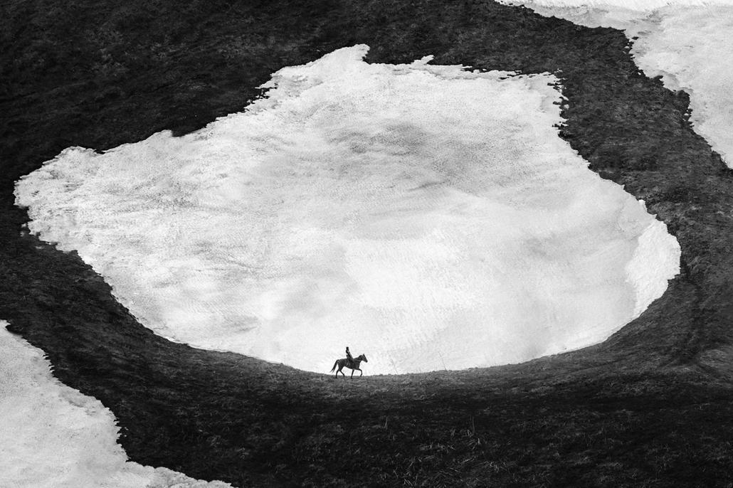 NE HASZNÁLD  Budapest International Foto Awards Reklám kategória II helyezett Only One