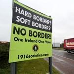 Áruhiánytól és drágulástól félnek a brit kereskedők, ha nincs Brexit-megállapodás