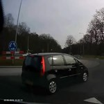 Ez az autós aztán nem rendőrpárti – videó