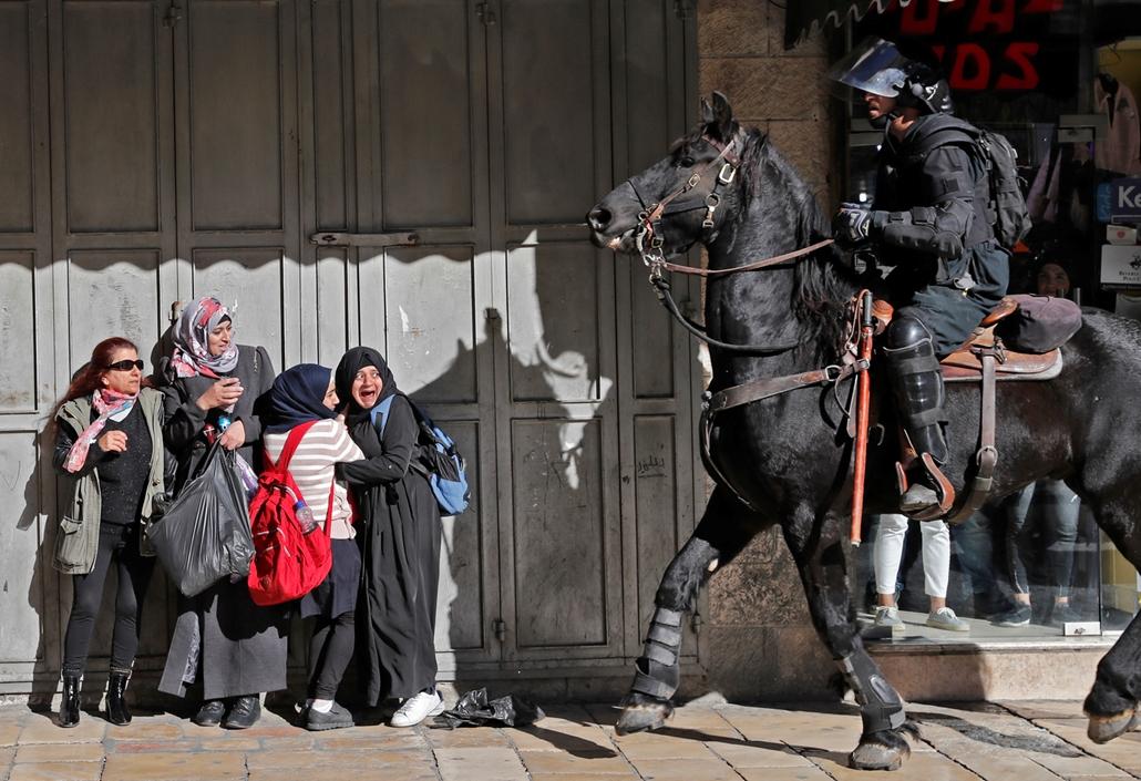 afp.17.12.12. Lovasrendőr Jeruzsálemben
