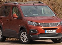 Mindent bele: teszten a térbajnok családi autó, a Peugeot Rifter