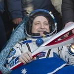 Fotó: visszatért az űrből az olimpiai fáklya