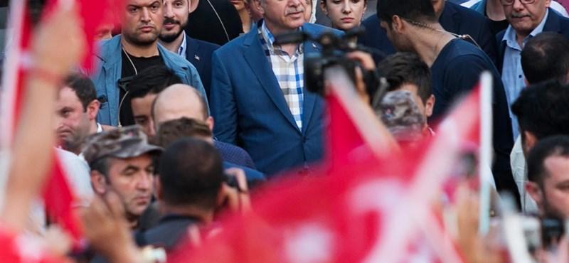 Pattanásig nő a feszültség Moszul lerohanása előtt