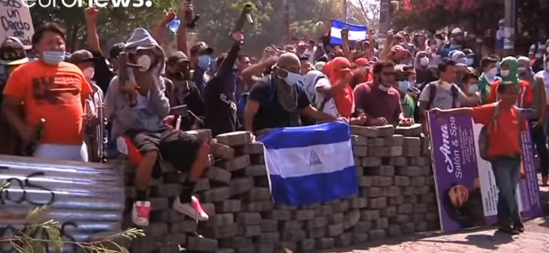Már 34 halottja van a nicaraguai tüntetéseknek