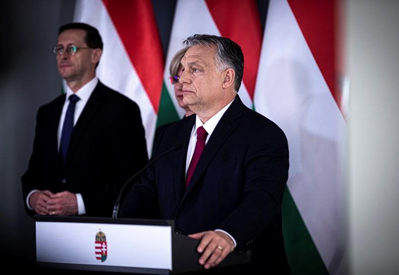 Orbán: Átvállaljuk a bérek egy részét, visszaépítjük a 13. havi nyugdíjat