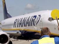 Ryanair-késés: vizsgálatot és etikai kódexet követel Ujhelyi