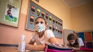 Szerbiában 4 hetes lesz a téli szünet a járvány miatt