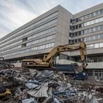 Bontják a Vízművek irodaházát a Váci úton - fotók