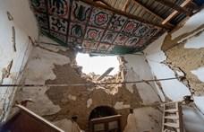 Leomlott a tacsi református templom tornya – fotók