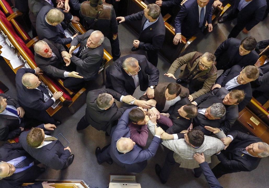 epa. Verekedés az ukrán parlamentben 2014.01.16. Kijev
