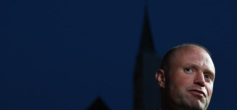 Brüsszelből kényszerítenék ki a máltai miniszterelnök lemondását