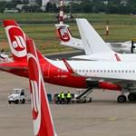 Több százezren bukják a jegyük árát a bedőlt légitársaságnál