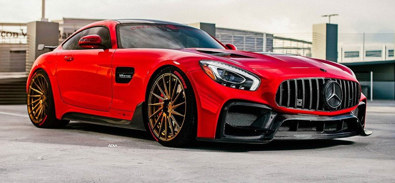 Vörös ördög ez a 622 lóerős Mercedes-AMG GT