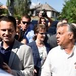 """""""Lesznek a néppártban, akik nem velünk szavaznak"""" – Orbán és barátai megérkeztek Kötcsére"""