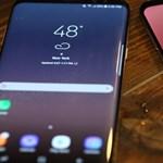 Vérszemet kapott a Samsung: dollármilliárdokat kaphat a Google-től