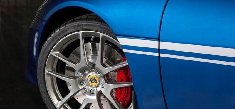 50 éves a Lotus gyára, igazán gusztusos autóval ünneplik