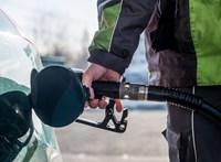 Trump miatt lehet tartósan 400 forint fölött a benzinár?