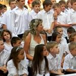 Drasztikusan lerövidítik a nyári szünetet, hosszabb lesz a tanév több ezer iskolában