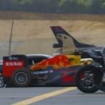 A nagy gyorsulási verseny: motor, sportkocsik, F1-autó, repülők és egy Tesla – videó