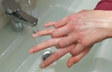 Hogy mosson kezet a gyerek, ha több iskolában még szappan sincs?
