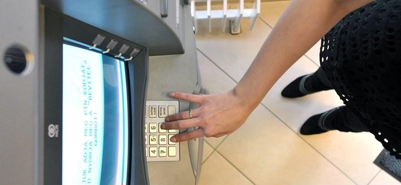Új módszerrel csapoltak meg bankszámlákat orosz hekkerek Prágában