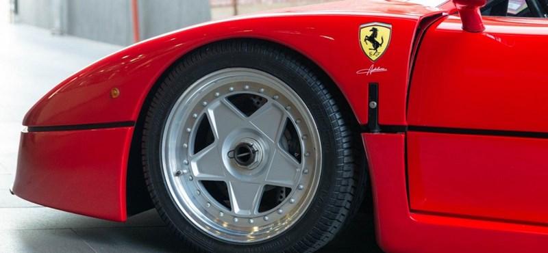 Olasz legenda: eladó egy alig használt Ferrari F40