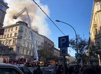 Hatalmas füsttel ég egy ház a Teréz körúton, nem jár a villamos a Jászai és az Oktogon között